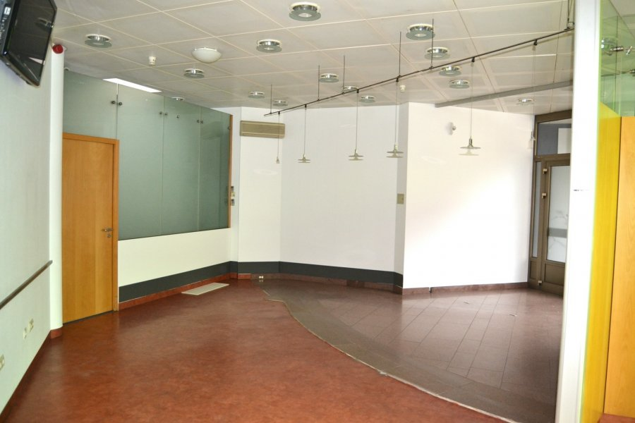 louer local commercial 0 chambre 90 m² remich photo 3