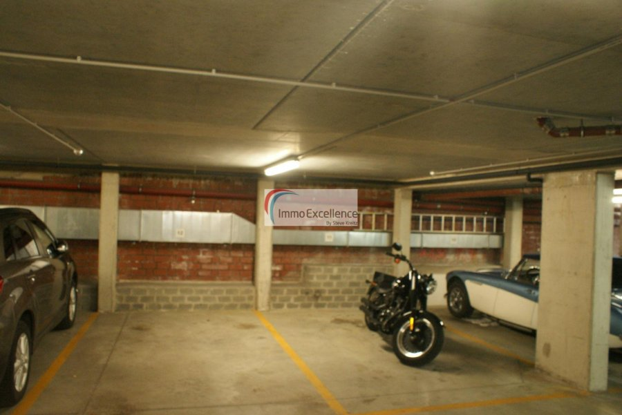 Garage - Parking à louer à Echternach