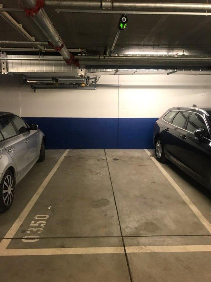 garage parking en vente luxembourg gare 100 000 athome. Black Bedroom Furniture Sets. Home Design Ideas