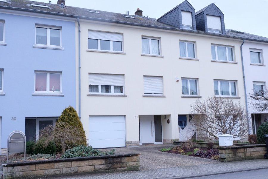 Maison mitoyenne à vendre 4 chambres à Strassen
