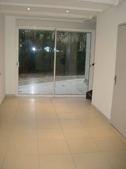 louer appartement 2 pièces 45 m² le ban saint-martin photo 2