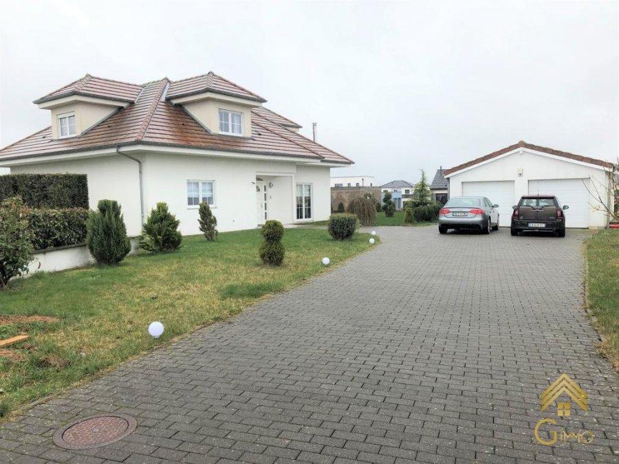 Villa à vendre 5 chambres à Cosnes-et-romain