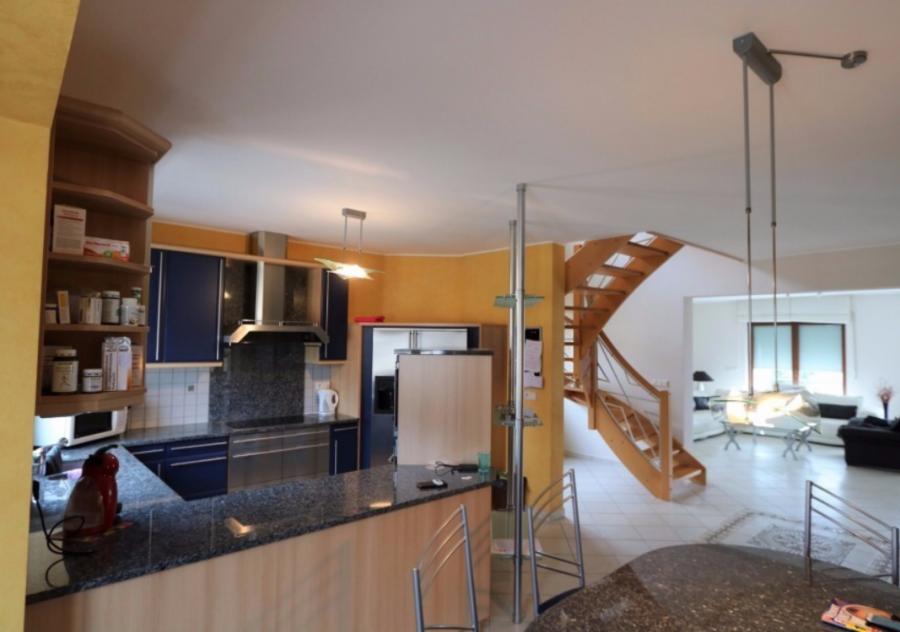 dreigeschossige wohnung kaufen 5 schlafzimmer 250 m² soleuvre foto 1