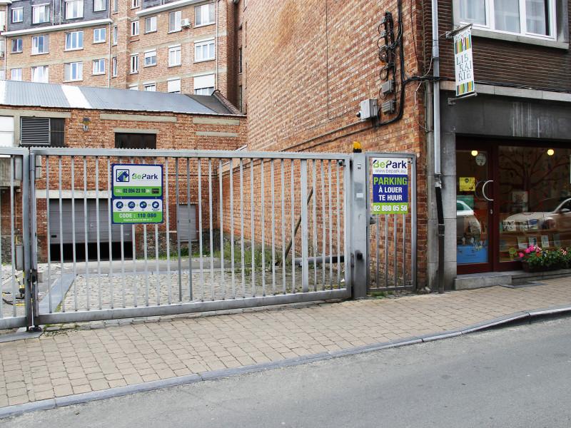 louer garage fermé 0 pièce 0 m² namur photo 2
