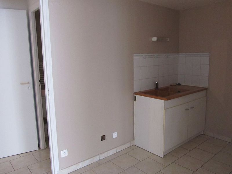 louer appartement 2 pièces 45 m² mirecourt photo 2