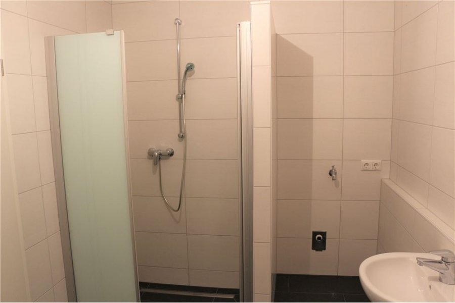 Maison jumelée à louer 5 chambres à Remerschen