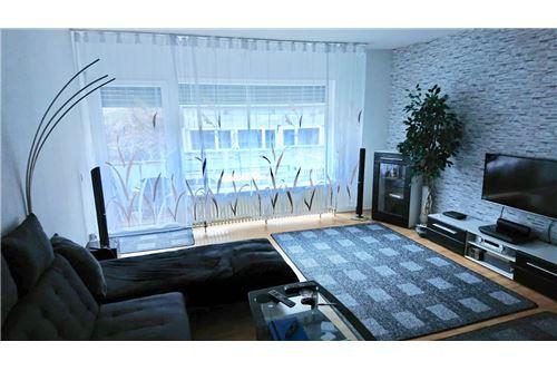 wohnung kaufen 1 zimmer 40 m² saarbrücken foto 1