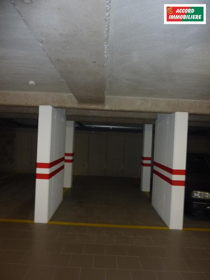 louer garage-parking 0 chambre 0 m² rodange photo 2