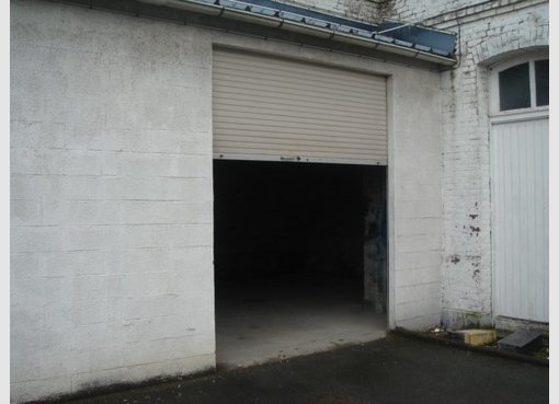 Location garage parking lille nord r f 5625267 for Location garage tours nord