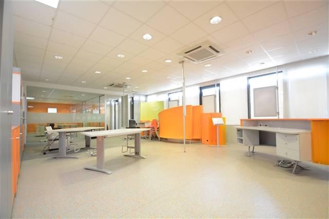 louer bureau 0 pièce 200 m² etalle photo 2
