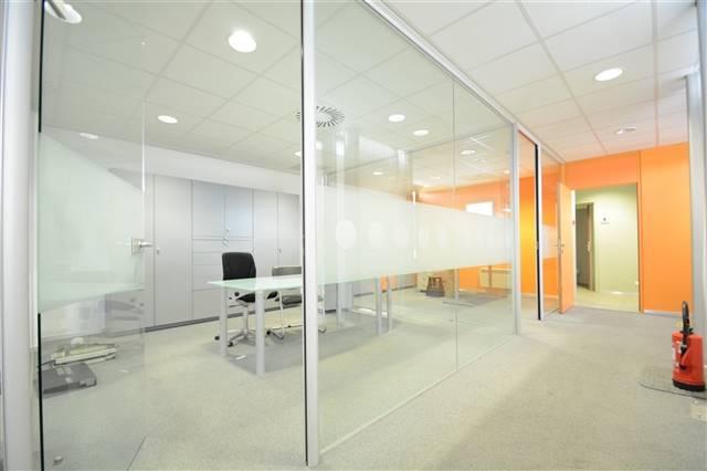 louer bureau 0 pièce 200 m² etalle photo 4