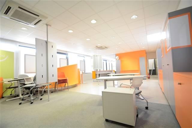 louer bureau 0 pièce 200 m² etalle photo 3