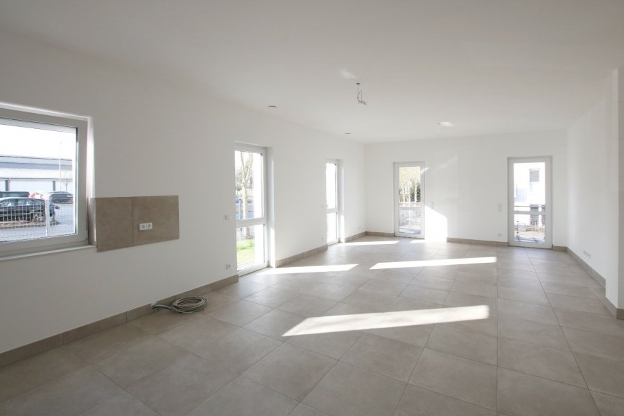 louer appartement 2 pièces 81.98 m² bitburg photo 2