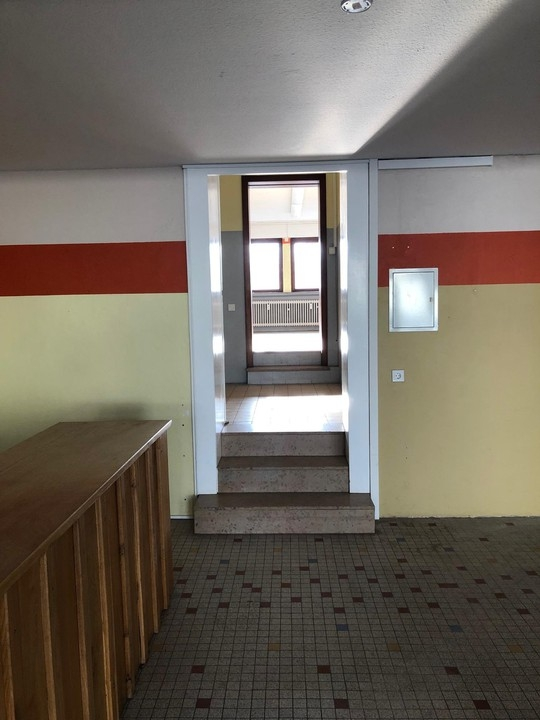 büro mieten 2 zimmer 100 m² schwalbach foto 4