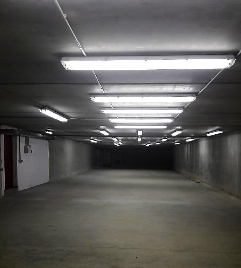 Garage - Parking à louer à Sandweiler