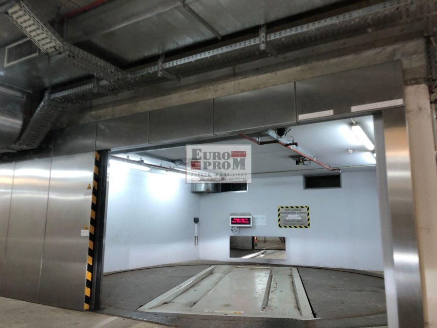 louer garage-parking 0 chambre 0 m² luxembourg photo 4