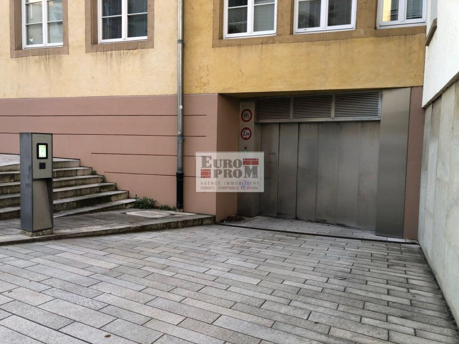 louer garage-parking 0 chambre 0 m² luxembourg photo 1