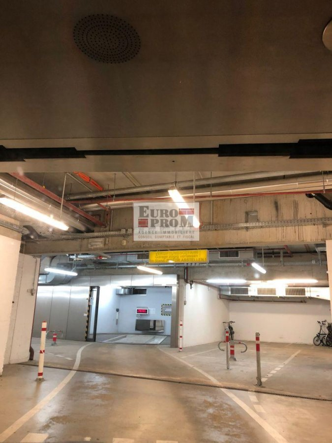 louer garage-parking 0 chambre 0 m² luxembourg photo 5