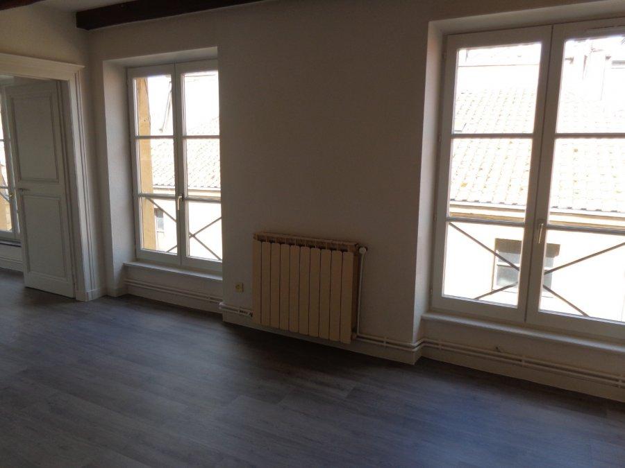 Appartement à louer F3 à CENTRE VILLE