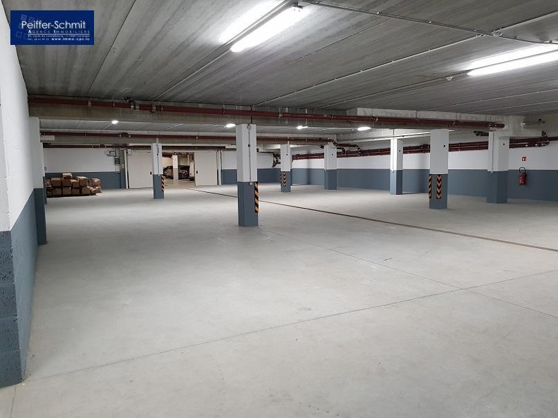 Garage - Parking à louer à Bascharage