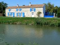 Maison à vendre F8 à Damvix - Réf. 5006372