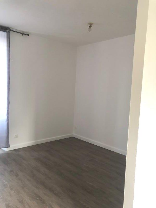 Appartement à louer F1 à Vaas