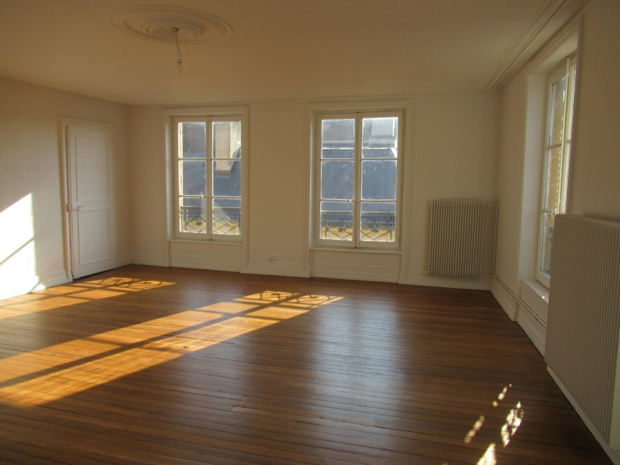 louer appartement 4 pièces 140.13 m² metz photo 2
