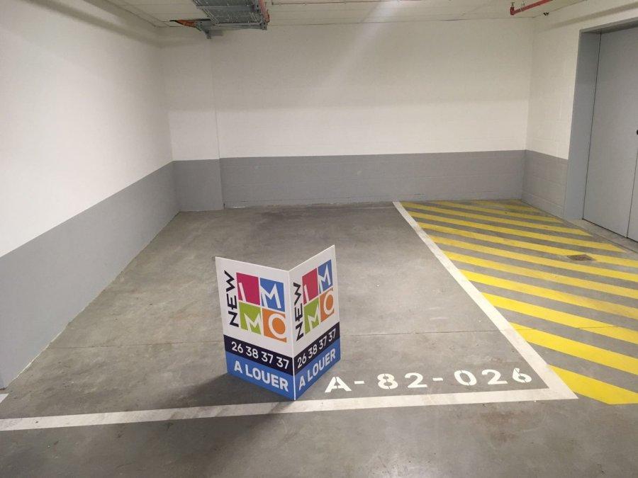 louer garage-parking 0 chambre 0 m² steinfort photo 2