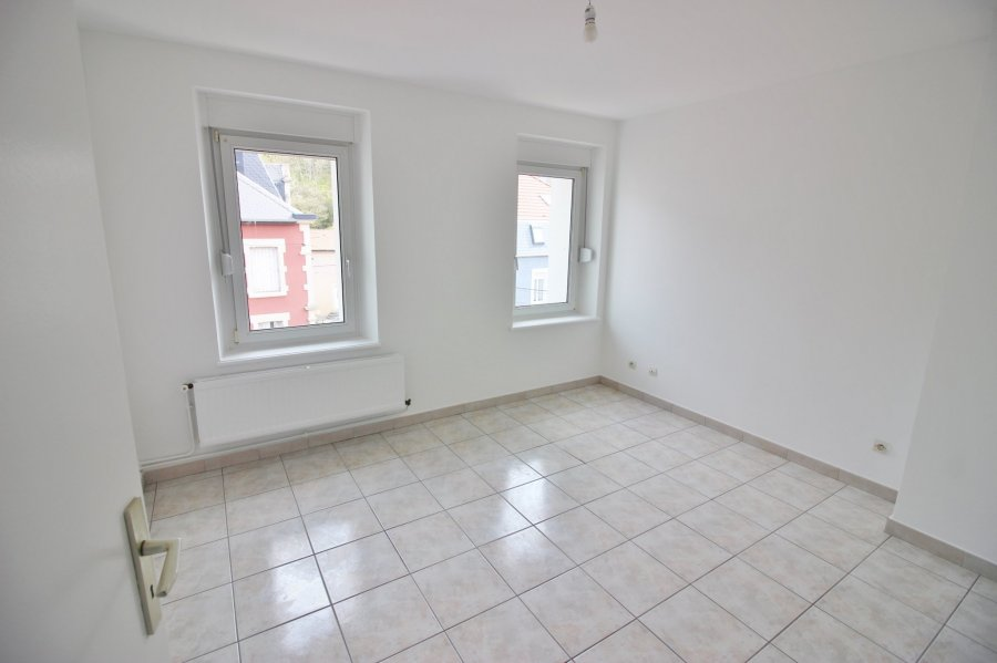louer appartement 3 pièces 57 m² thil photo 2