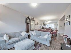 Maison mitoyenne à vendre 4 Chambres à Strassen - Réf. 5947524