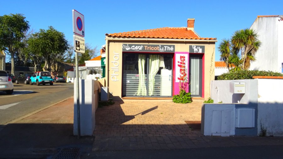 louer local commercial 1 pièce 31 m² saint-gilles-croix-de-vie photo 2