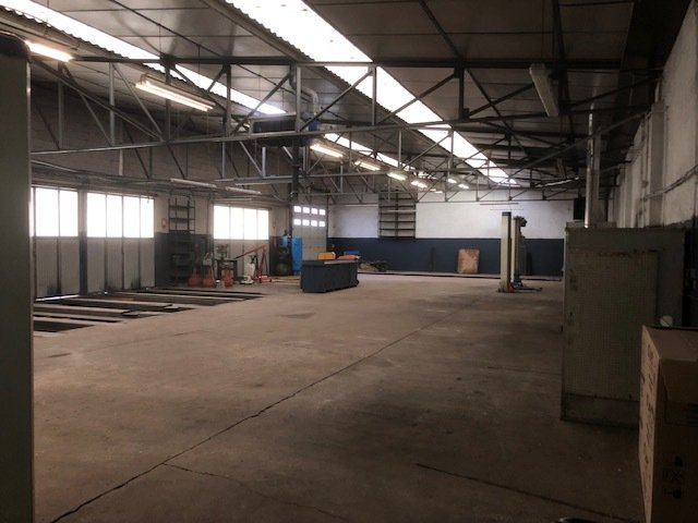 louer entrepôt 0 pièce 560 m² hettange-grande photo 2