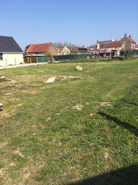Terrain constructible à vendre à Niergnies