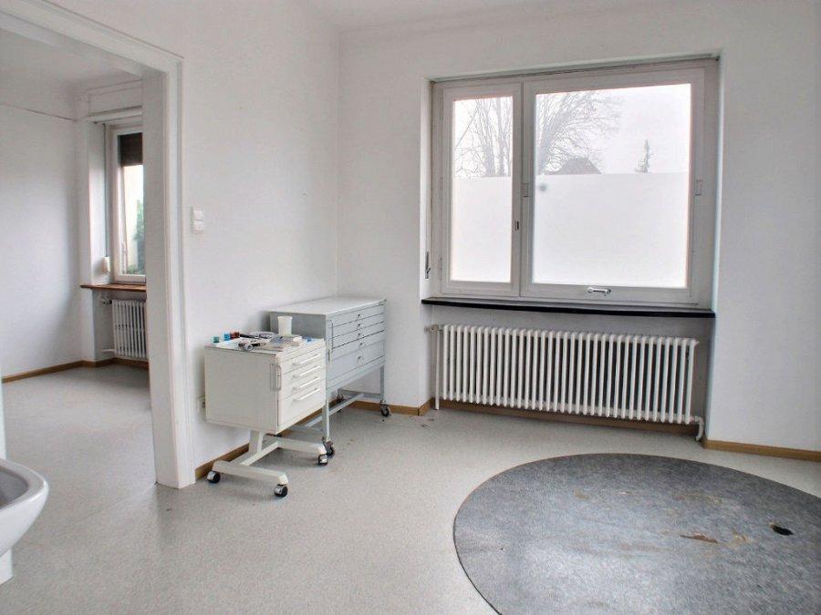 louer local commercial 4 pièces 70 m² saint-louis photo 2