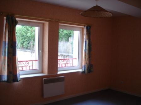 louer appartement 3 pièces 67 m² ménil-en-xaintois photo 2