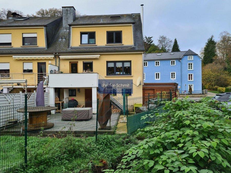 Maison jumelée à vendre 4 chambres à Larochette