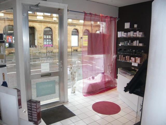 louer local commercial 3 pièces 68 m² metz photo 2