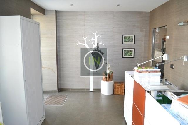 louer bureau 0 chambre 0 m² clemency photo 2