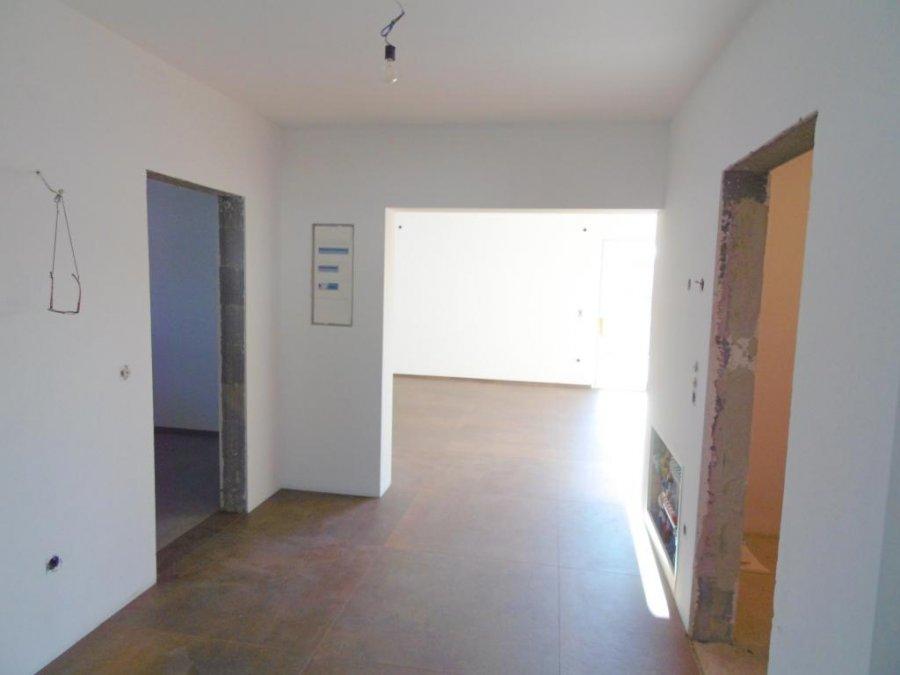 Maison mitoyenne à vendre 8 chambres à Mertzig