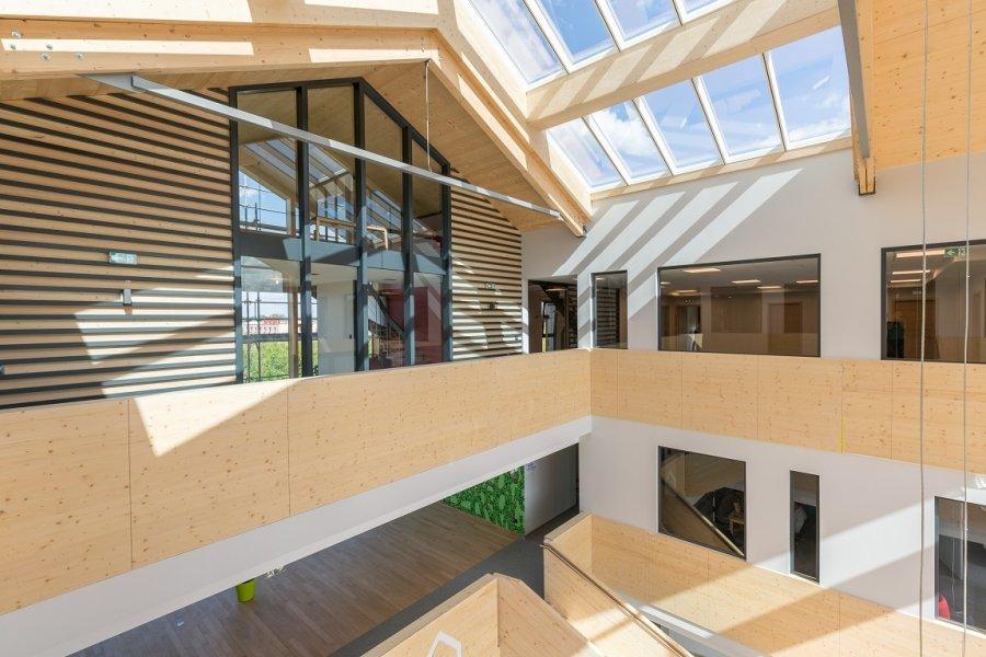 louer bureau 0 pièce 82 m² norroy-le-veneur photo 1