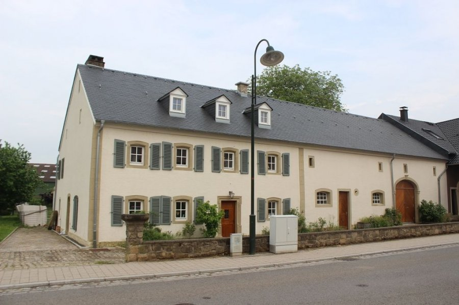 Maison à louer 4 chambres à Flaxweiler