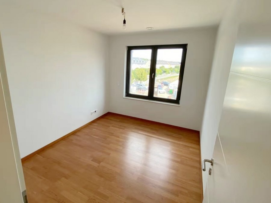 apartment for rent 2 bedrooms 88 m² strassen photo 2