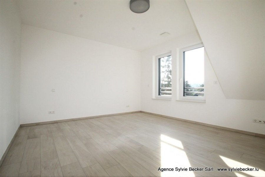 wohnung mieten 2 schlafzimmer 83 m² lorentzweiler foto 5