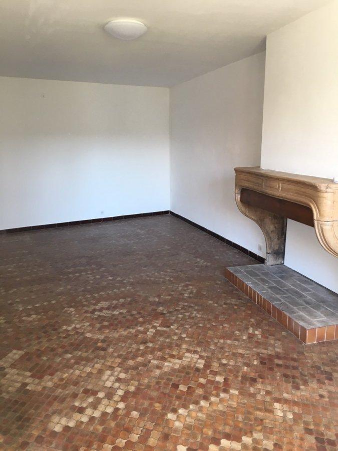 Maison à louer F1 à Agincourt