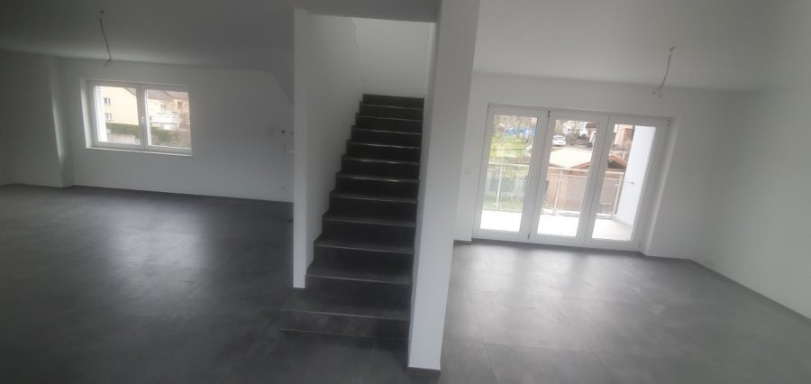 detached house for buy 4 bedrooms 215 m² schieren photo 2
