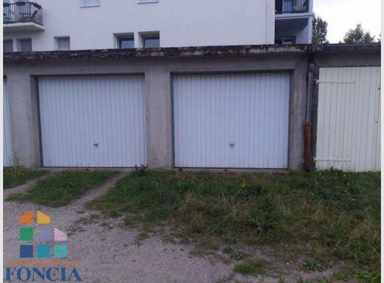 Vente garage parking saint di des vosges vosges for Garage vosges occasion