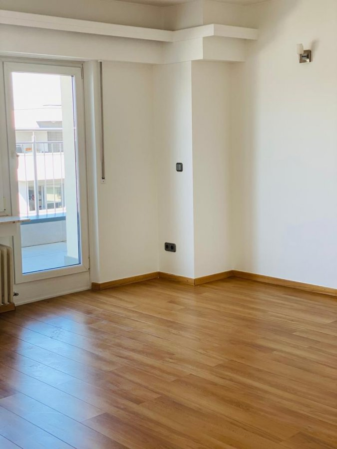 apartment for rent 2 bedrooms 96 m² strassen photo 3