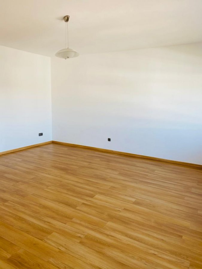 apartment for rent 2 bedrooms 96 m² strassen photo 4