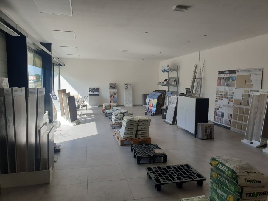 louer local commercial 0 pièce 380 m² moulins-lès-metz photo 2