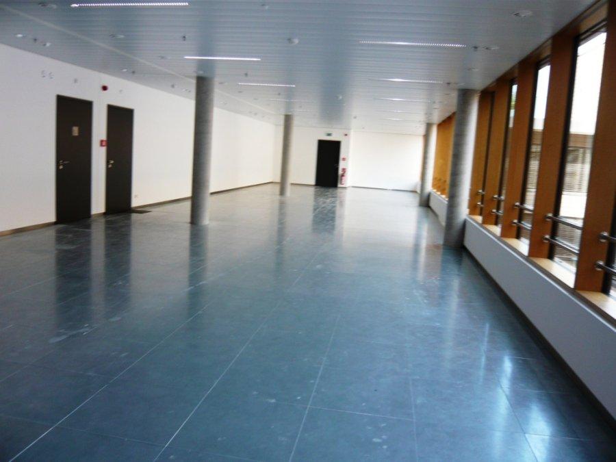 louer bureau 0 chambre 30 m² leudelange photo 4